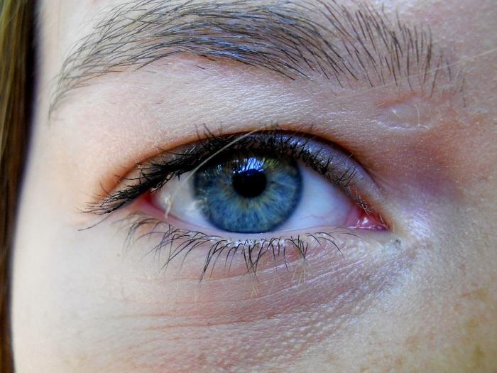 Test zraku pomocou prístrojou