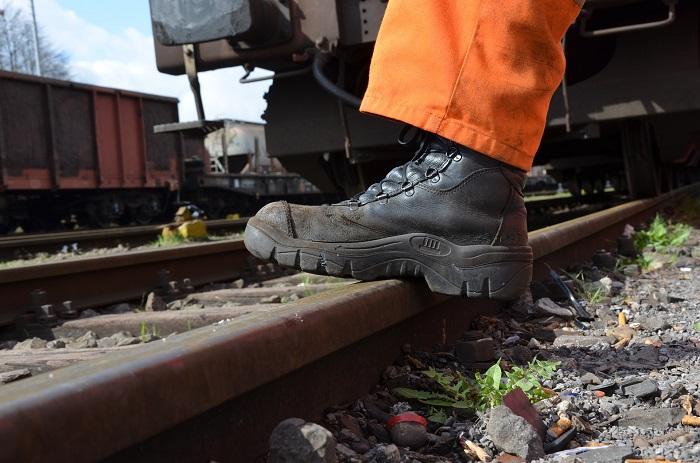 Pracovna obuv aj do dažďa